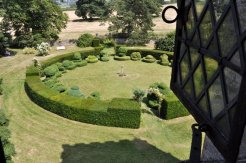 The topiary circle from the Long Gallery on the top floor