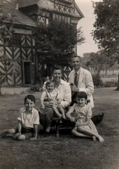 Martin, Edgar, Mum, Dad and Margaret, 1947