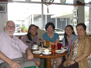 Coffee and cakes with former DPPC staff at IRRI