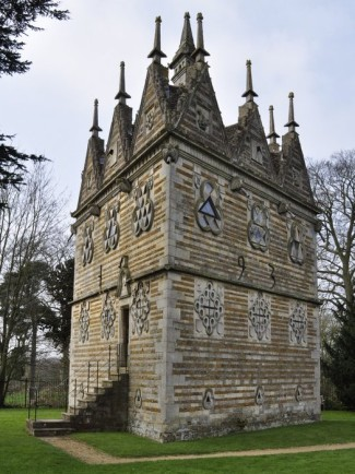 20150409 002 Rushton Triangular Lodge