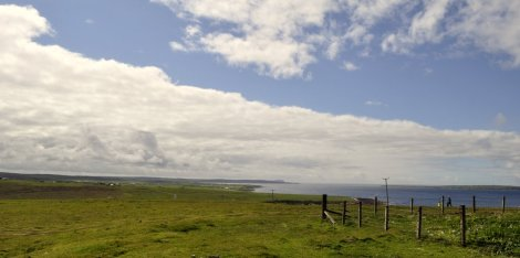 Looking west from Duncansby Head toward Dunnet Head, on the horizon.
