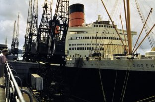 RMS Queen Elizabeth - two funnels.