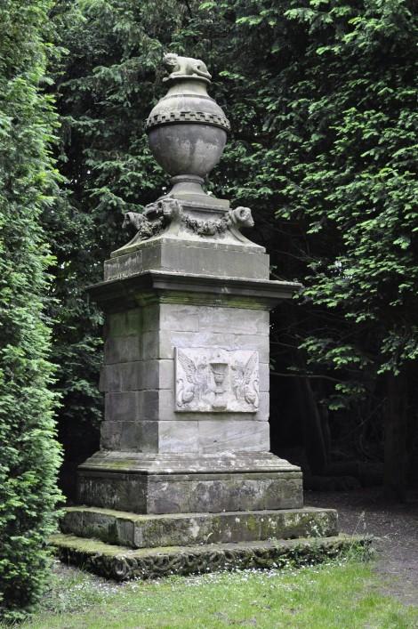 The Cat's Monument